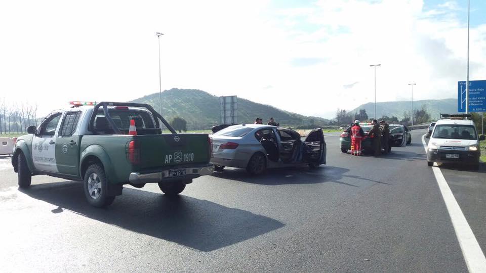 BMW robado con el cual circulaban los delincuentes antes del asalto. FOTO: Chicureo Hoy