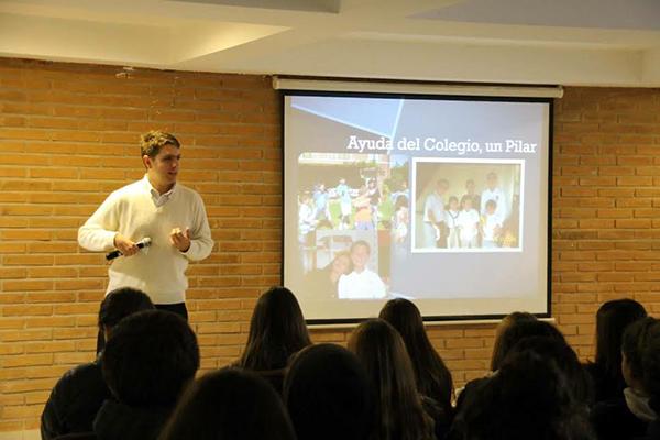 Andrés en una de sus últimas charlas. Foto: Colegio Santa Cruz de Chicureo