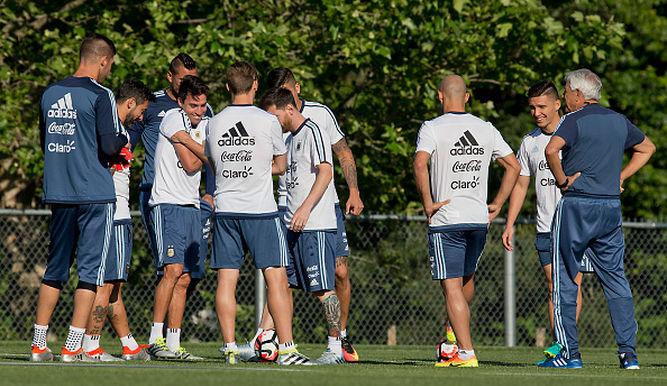 Jugadores-Seleccion-Argentina-entrenamientos_6848294