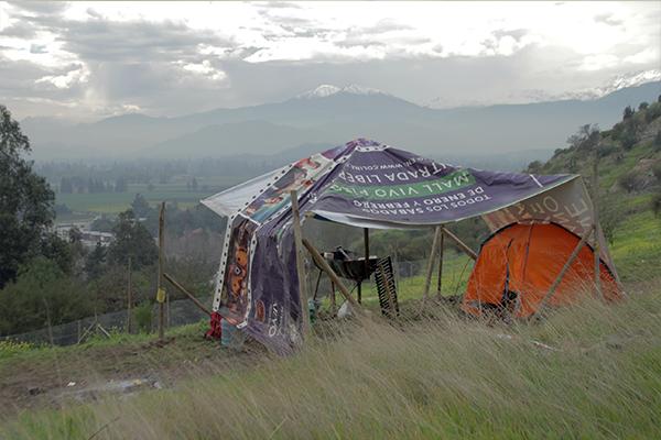 Vecinos de Las Canteras continúan en vigilia en el cerro FOTO: Chicureo Hoy