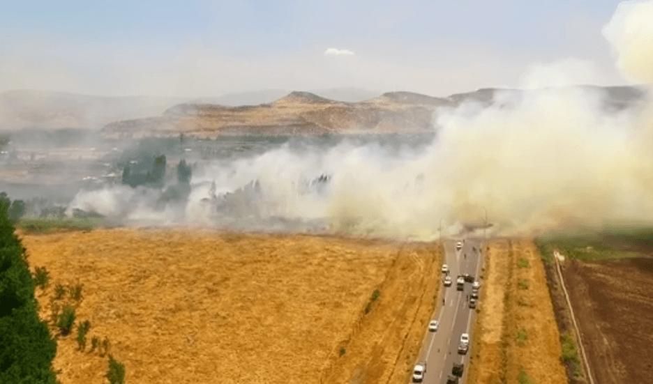 Obligan a evacuar zona de Las Canteras en Chicureo por incendio forestal.