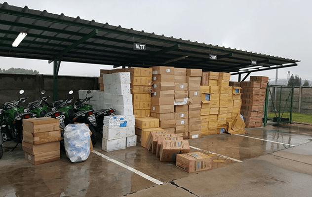 Más de 400 cajas de cigarros eran transportadas desde Bolivia.