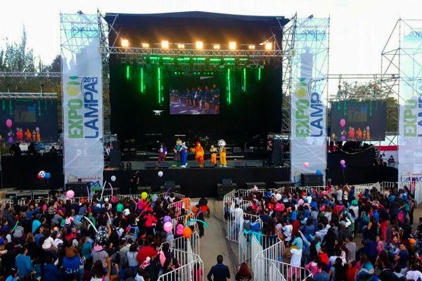 fiesta gratuita comienza para los vecinos LampaHoy Expo byvfgYI76
