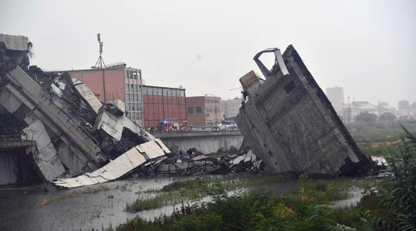 Resultado de imagen para Italia: al menos 11 muertos