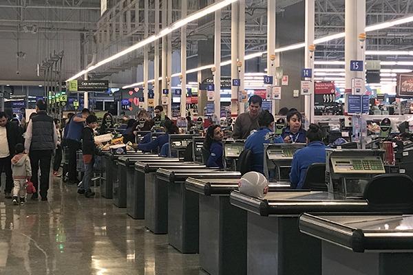 896c3fa38 Acusan engaño de supermercado: Vendería bolsas ecológicas fabricadas con  plástico